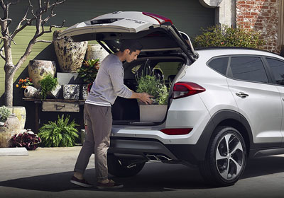 Hands-free Smart Liftgate: Takes Easy To The Max