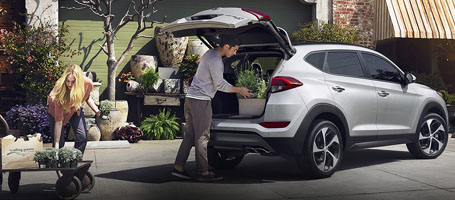 Hands-free Power Smart Liftgate