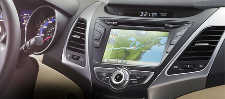 Advanced 7-inch Touchscreen Navigation
